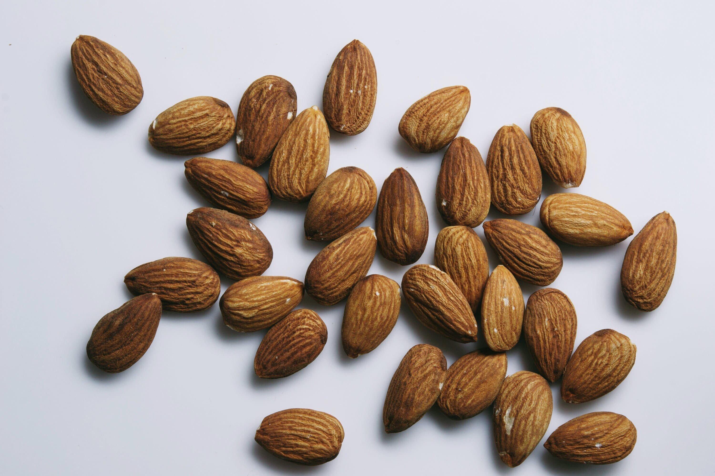homemade almond butter recipe | gnom-gnom.com