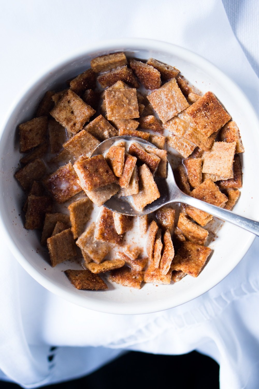 Gluten Free, Low Carb & Keto Cinnamon Toast Crunch Cereal #keto #ketobreakfast #lowcarb #cereal #glutenfree #healthyrecipes
