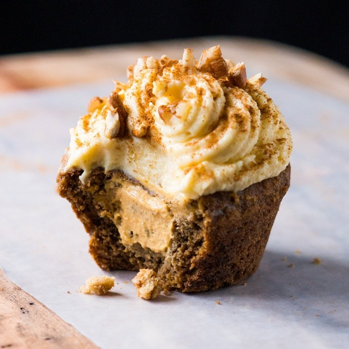 Gluten Free & Keto Pumpkin Spice Latte Muffins (or Cupcakes!) #keto #lowcarb #healthyrecipes #glutenfree #pumpkin #pumpkinspicelatte #muffins #cupcakes