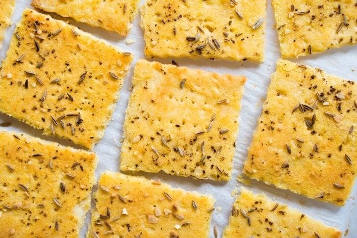 Gluten Free & Keto Crackers 🧀 Suuuper Flakey & Buttery