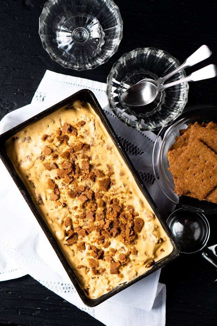 No-Churn Gluten Free & Keto Pumpkin Cheesecake Ice Cream #keto #lowcarb #healthyrecipes #pumpkin #glutenfree #icecream