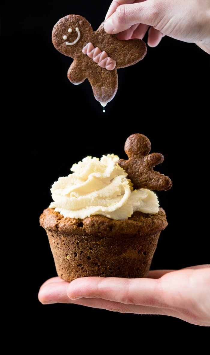 Gluten Free & Keto Gingerbread Cupcakes (with Lemon Buttercream Frosting!) 🍋 #ketocupcakes #ketogingerbread