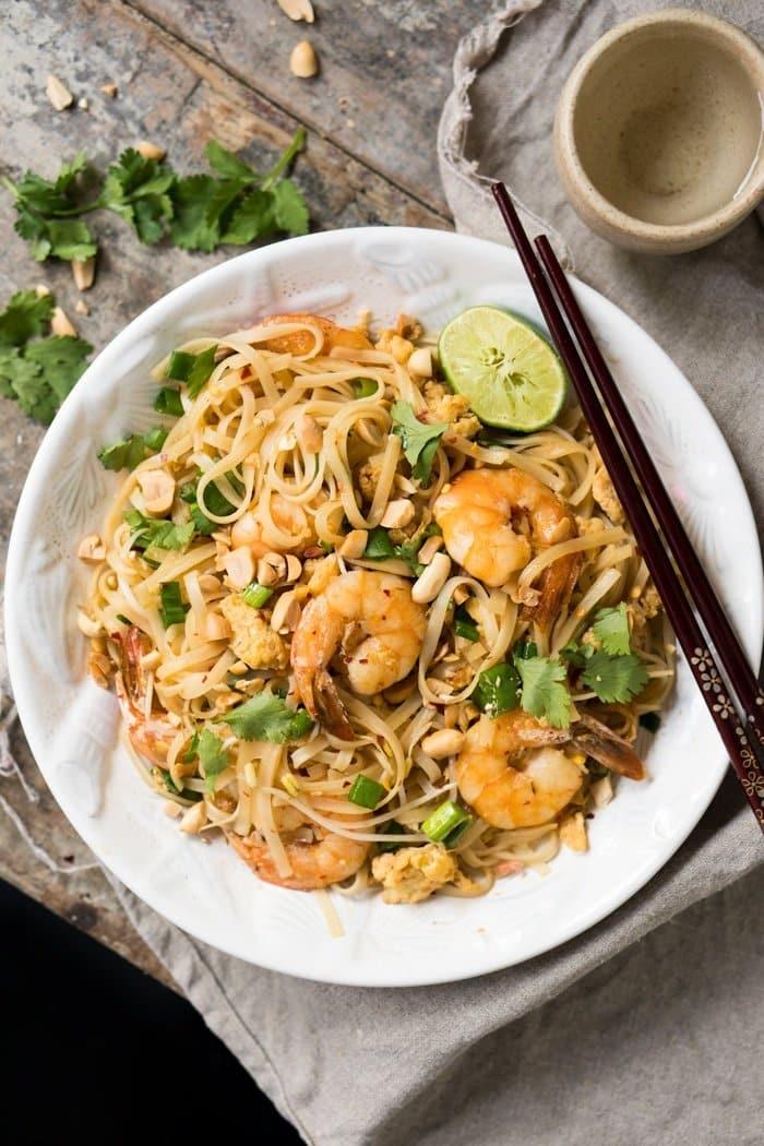 Paleo & Keto Pad Thai with shirataki noodles 🍜Just 2g net carbs! #keto #paleo #lowcarb #healthyrecipes #glutenfree #padthai