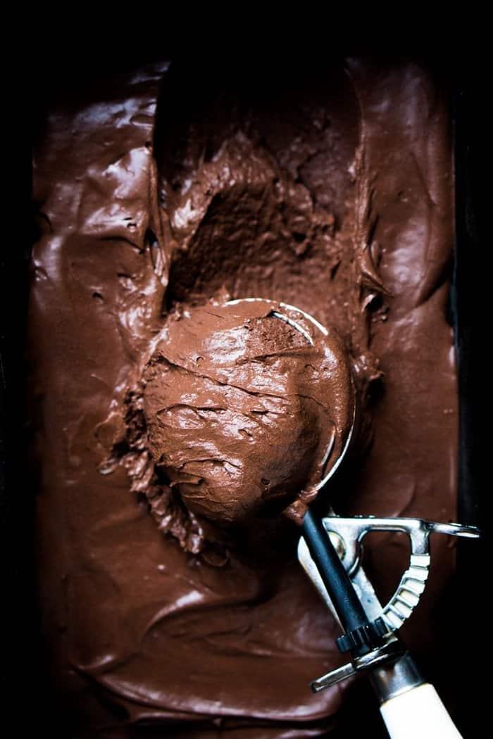 No-Churn Low Carb & Keto Chocolate Ice Cream 🍦 #ketoicecream #lowcarbicecream #nochurnicecream #chocolateicecream