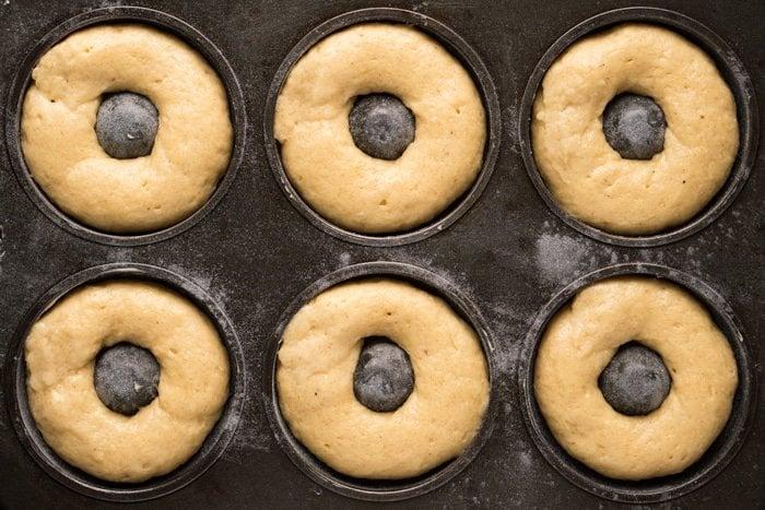 Gluten Free, Grain Free & Keto Donuts (i.e. Doughnuts!) 🍩 Super soft & just 1g net carbs a pop! #keto #ketodesserts #ketodonuts