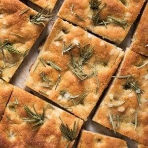 Gluten Free, Paleo & Keto Focaccia Bread 🍞 with rosemary and flakey sea salt! #keto #paleo #lowcarb #healthyrecipes