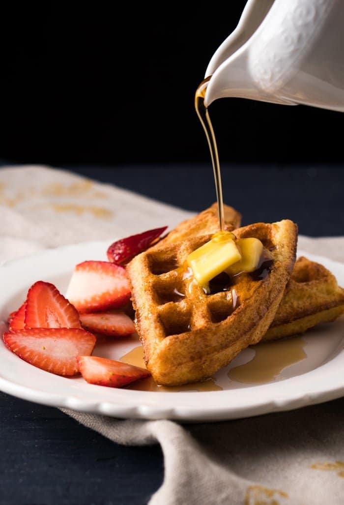 1g net carb!) Light 'N Fluffy Keto Waffles - gnom-gnom