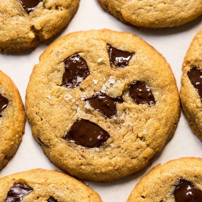 Gluten Free, Low Carb & Keto Flourless Peanut Butter Cookies 🥜 #keto #ketodesserts #lowcarb #glutenfree #healthyrecipes #cookies #peanutbutter