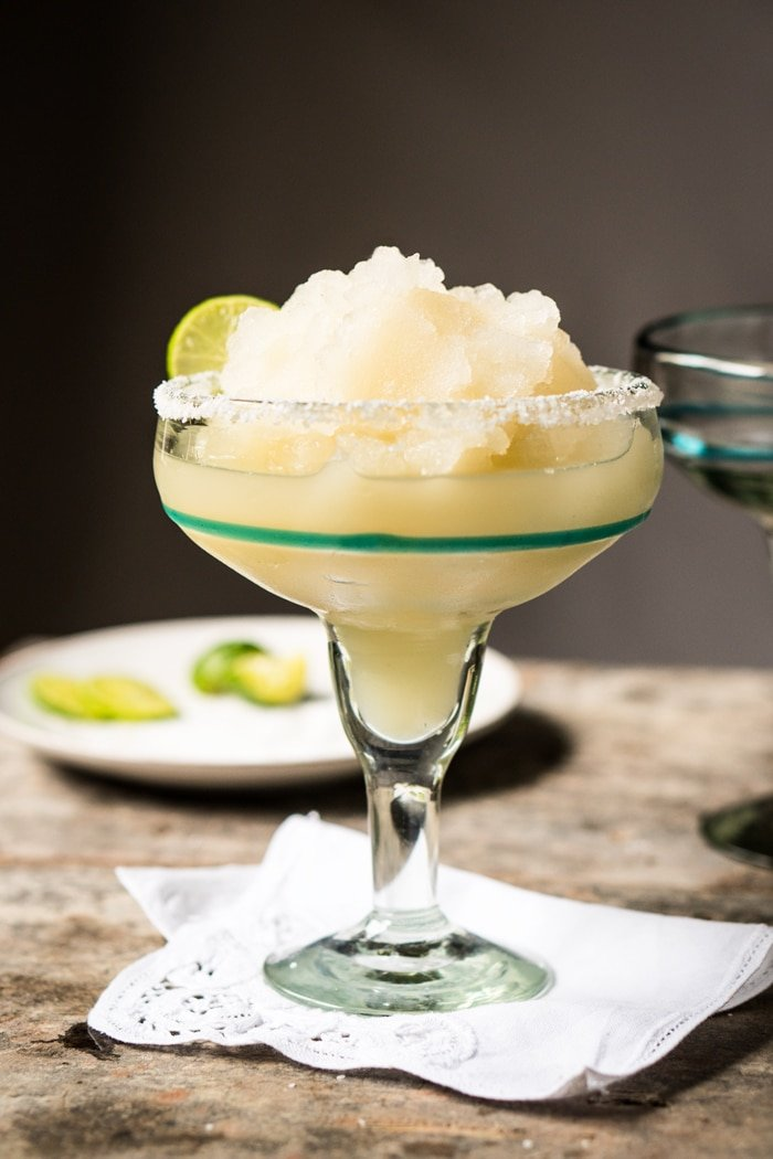 Skinny Frozen Paleo & Keto Margarita 🍹 #keto #ketorecipes #lowcarb #healthyrecipes #mexican #cocktails #margarita