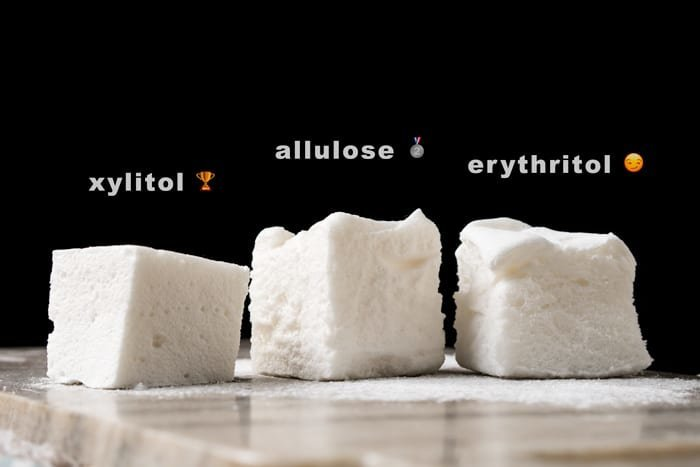 3-Ingredient Sugar Free, Paleo & Keto Marshmallows #keto #lowcarb #glutenfree #paleo #healthyrecipes #marshmallows #ketodessert #ketorecipes #ketodiet #smores
