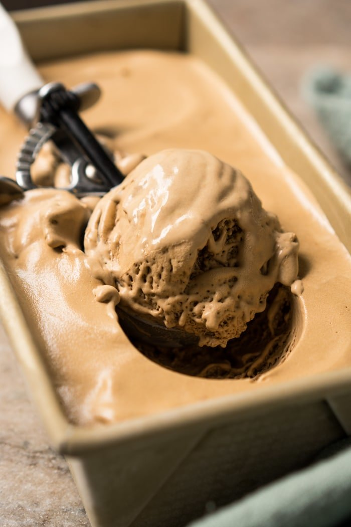 No-Churn Paleo, Low Carb & Keto Coffee Ice Cream #keto #lowcarb #dairyfree #paleo #healthyrecipes #icecream