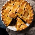 Mock keto apple pie with zucchini