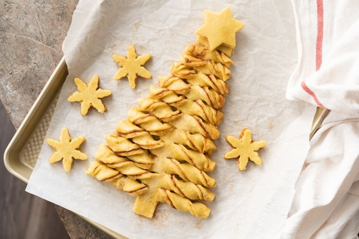 The unbaked keto pull-apart Christmas tree