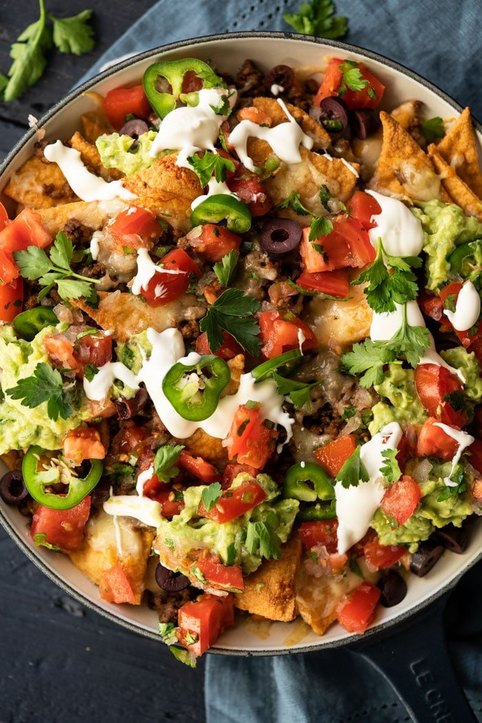 Keto nachos with guacamole, pico de gallo & sour cream