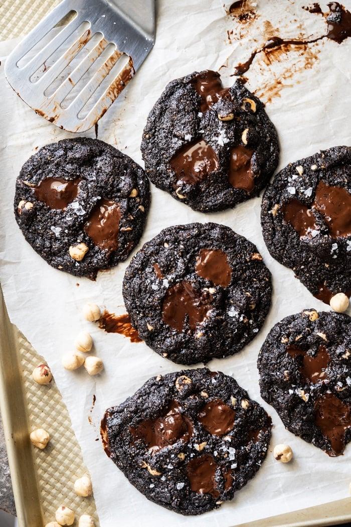 (Nutella!) Keto Chocolate Cookies 🍫 grain & gluten free